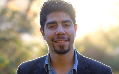 La historia del ex dirigente estudiantil que podría desplazar a alcalde PS tras doce años en el cargo
